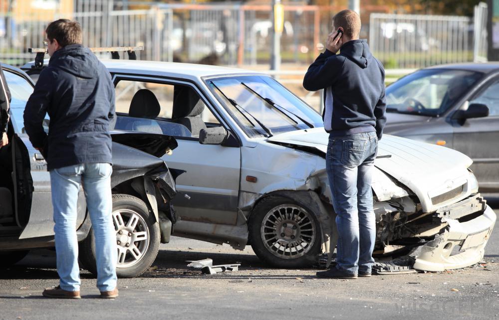 در مواجهه با سوانح رانندگی چه باید کرد؟-آگاهی مصرف-درست مصرف کنیم-آموزش همگانی