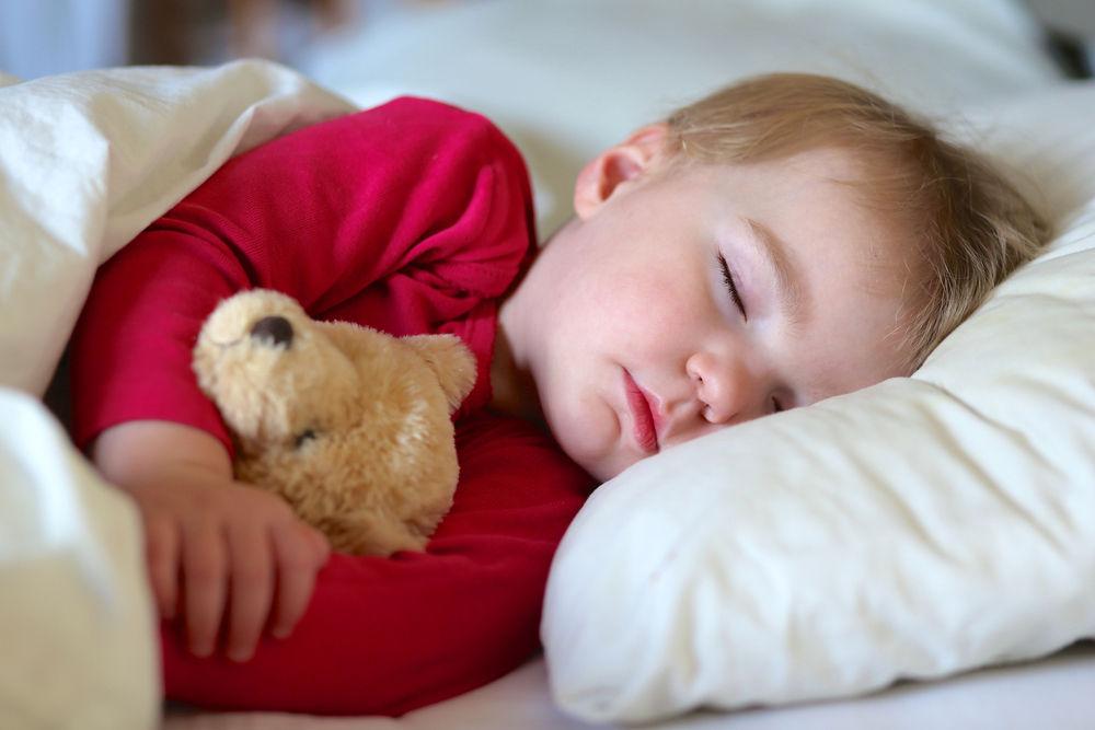 چرا بعضی از بچه ها عادت دارند پیش مادربخوابند؟-درست مصرف کنیم - آموزش همگانی - آگاهی مصرف