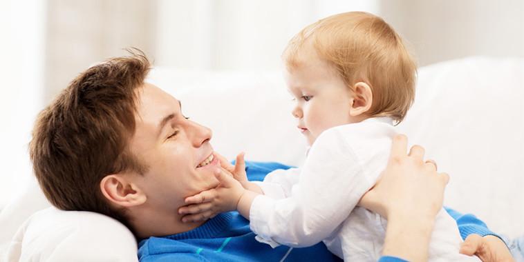 چگونه با کودک خود ارتباط عاطفی برقرار کنیم؟درست مصرف کنیم - آموزش همگانی - آگاهی مصرف