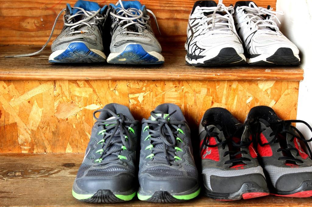 آیا داخل خانه کفش بپوشیم یا نه؟- پایگاه اینترنتی دانستنی در ایران