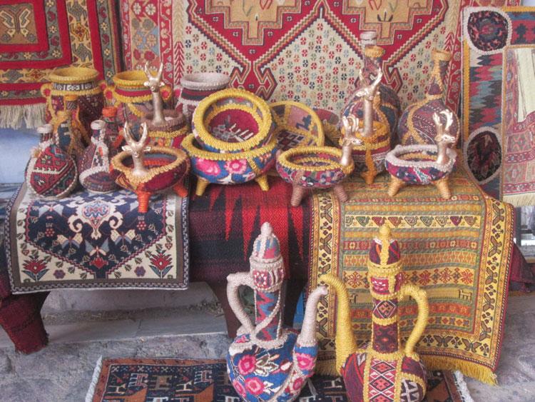 روز جهانی صنایع دستی- پایگاه اینترنتی دانستنی ایران