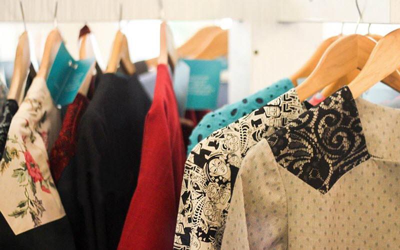 چه پوشاکی برای مقابله با گرما مناسب است؟1- پایگاه اینترنتی دانستنی ایران