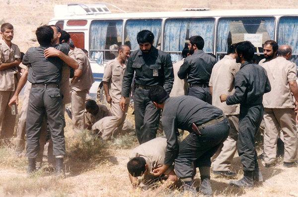 آزادگان، تندیس هاى استقامت- پایگاه اینترنتی دانستنی ایران