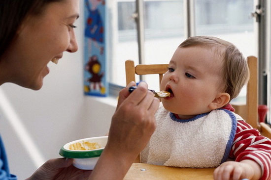 کدام رفتارهای والدین به بدغذایی کودک منجر می شود؟- پایگاه اینترنتی دانستنی ایران