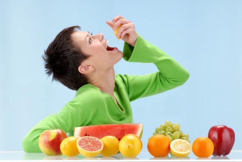 اشتباهات رایج در خوردن میوه- پایگاه اینترنتی دانستنی ایران