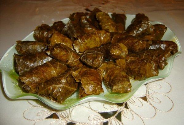 آشپزی دلمه برگ مو غذای آذربایجانی ها+ ویدئو- پایگاه اینترنتی دانستنی آنلاین ایران