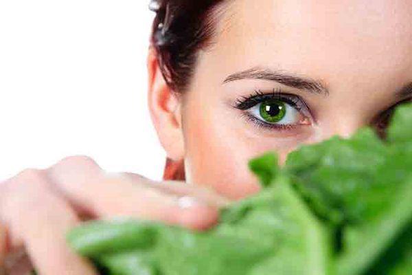 مواد غذایی مفید برای تقویت چشم و بینایی (1)- پایگاه اینترنتی دانستنی آنلاین ایران