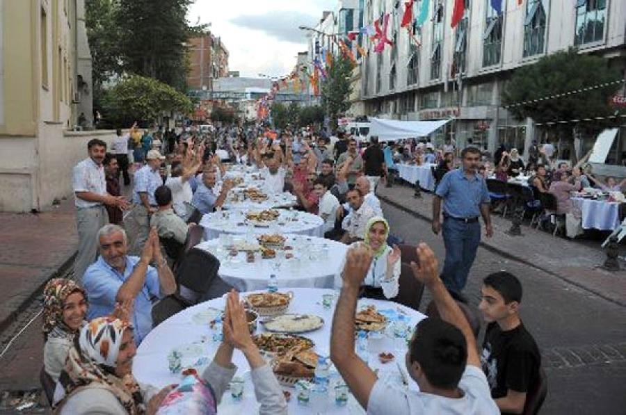 آداب و رسوم جالب مردم جهان در ماه رمضان - بخش اول