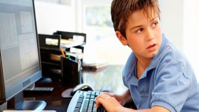 خطرات آنلاینی که کودکان را تهدید میکنند