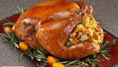 آموزش پخت مرغ شکم پر با سبزیجات در فر + ویدئو