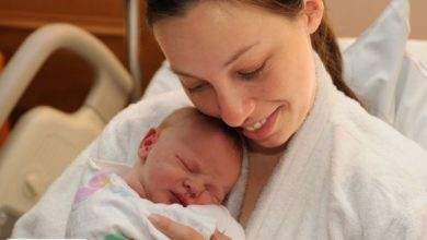 نوع زایمان چه تأثیری بر روابط مادر و نوزاد دارد ؟