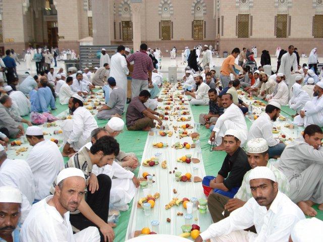 آداب رمضان در کشورهای مختلف جهان- پایگاه اینترنتی دانستنی ایران