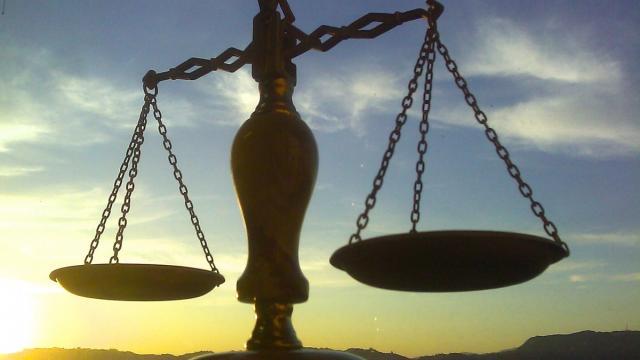 عدالت اقتصادی چیست؟- پایگاه اینترنتی دانستنی ایران