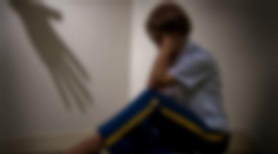 کودک آزاری چیست و چگونه از بروز آن پیشگیری کنیم ؟- پایگاه اینترنتی دانستنی ایران