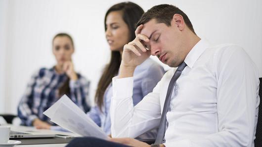 دلایل ناکارآمدی اکثر جلسات کاری چیست؟ + اینفوگرافیک - پایگاه دانستنی آنلاین